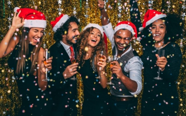 10 tips for planning a Christmas party